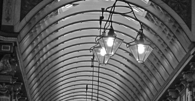 It would be shameful it no one paid attention to the details something an innocuous as ceilings...but when they look like this, how could you not?
